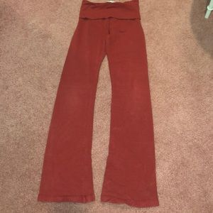 Hardtail foldover leggings in red
